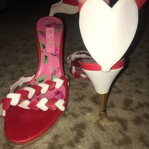Betsey Johnson limited sample heart shoes